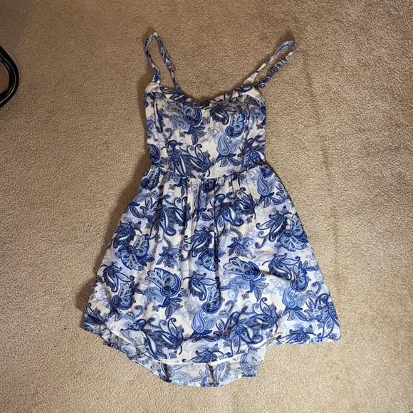 Garage dress size Small